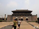 六朝佛风遗韵:邺城博物馆佛造像