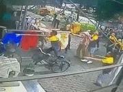 3岁男童从6楼坠落 这群人做出了同一个姿势
