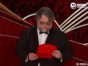 视频:阿方索-卡隆凭《罗马》二获最佳导演