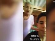 视频:老奶奶第一次用智能手机 反应超可爱