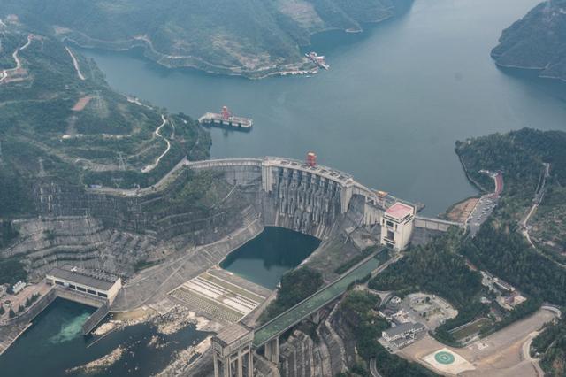 湖北宜昌长江大坝