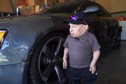 小矮人明星Verne Troyer改装奥迪S5刹车、油门,全球赛车运动(...
