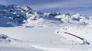 穿越阿尔卑斯的红色小火车