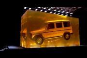 梅赛德斯奔驰居然把一辆1979年的G级放入50吨树脂做出了琥珀!  长春...