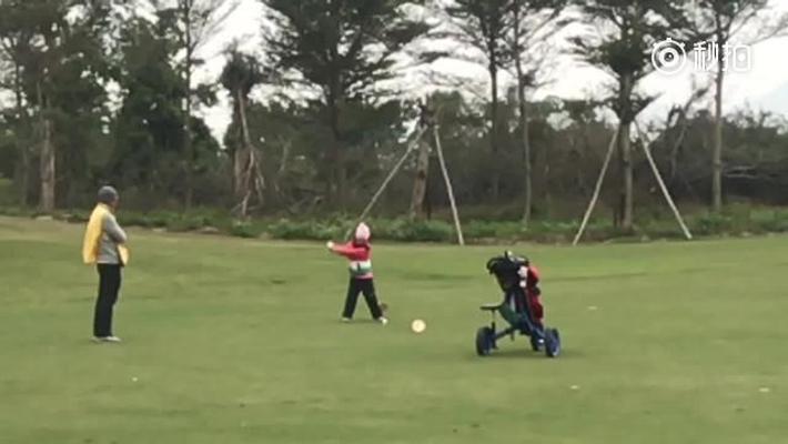 刘国梁女儿一号木挥杆赏析 击球扎实落点精准