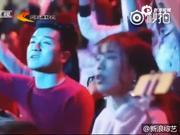视频:北京跨年张继科献唱《看月亮爬上来》 磁性声音魅力足