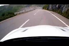 Aston Martin Rapide S汽车测试……