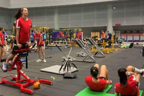 视频-全国女排锦标赛江苏女排身体力量训练