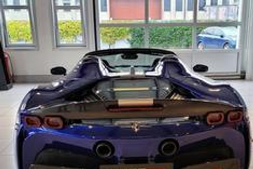 分享图片 罗马,Ferrari SF90 Spider