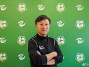 国青成耀东:踢中乙令小球员快速提高 增加自信心