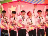 LOL亚运会中国队夺冠现场高清图集