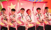 亚运会英雄联盟中国队夺冠现场颁奖及升国旗仪式