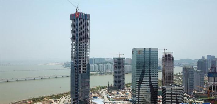珠海在建第一高楼主体封顶