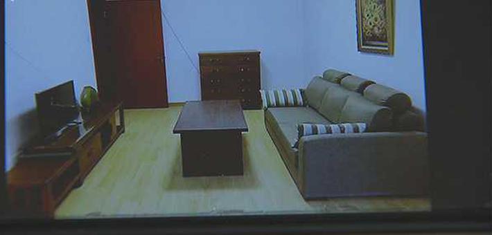 女子租房遇无赖电视油画被搬走