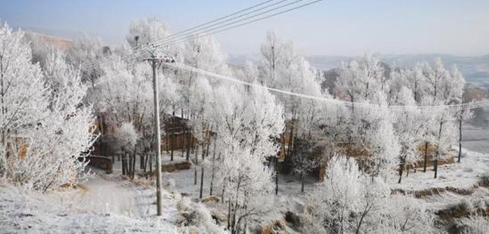 青海海东的冬天宛如童话世界