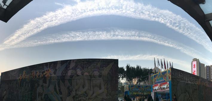 广州飞机云天空美景刷爆网络