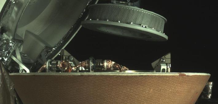 NASA航天器收集小行星碎片