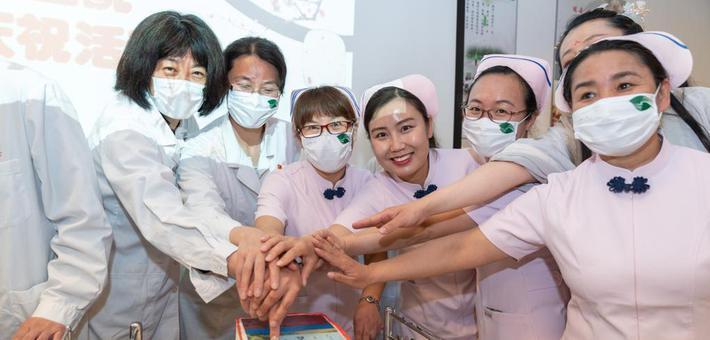 在第110个国际护士节到来之际:白衣天使展风采