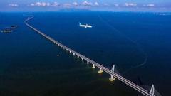 港珠澳大桥23日举行通车仪式 三小时生活圈前景可期