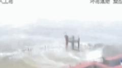 实拍台风山竹经过中的港珠澳大桥 现场情况一切正常