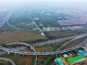 空中直击春运回程高峰 广东23条高速路段昨现缓行
