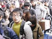 广铁昨迎学生返校客流高峰 今日继续加开列车193对