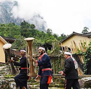 金秀:黄泥鼓舞助乡村文化振兴