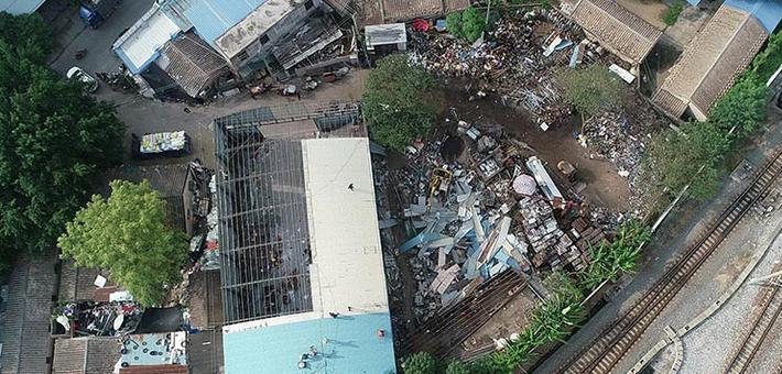广西沿海铁路联合地方拆除违章建筑