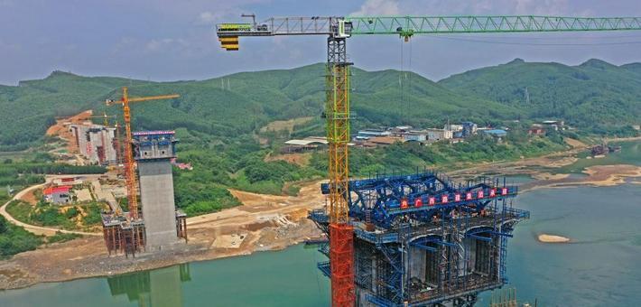 广西:培森柳江特大桥加紧建设