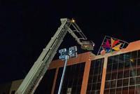 百色一酒吧坍塌致4死 亲历者:事发时楼内停电