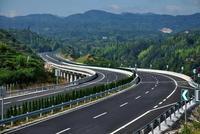 《政府工作报告》:今年海南将建成文琼高速公路