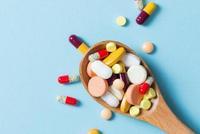 《政府工作报告》:把更多救命救急的好药纳入医保