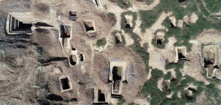 襄阳发现东周时期公墓群