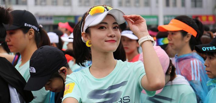 2019武汉女子半程马拉松开跑
