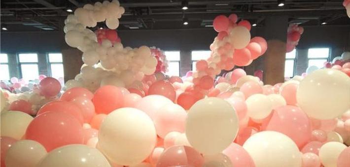 20万颗气球体验展亮相石家庄