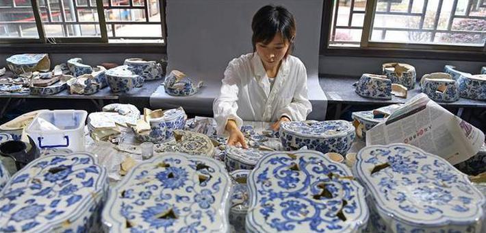 景德镇御窑古瓷碎片复原陶瓷