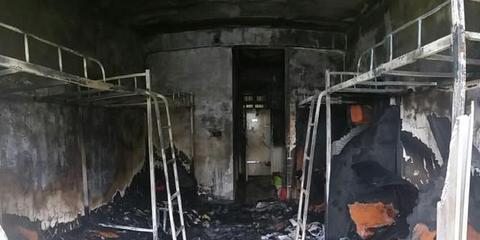 河南科技大学宿舍楼起火 宿舍被烧空