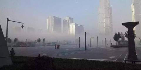 郑州迎来今秋首场大雾 似海市蜃楼