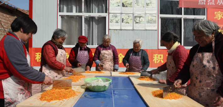 河南这个村每月初一集体包饺子