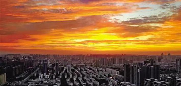 绝美炸裂 郑州雨后天空瞬间大变