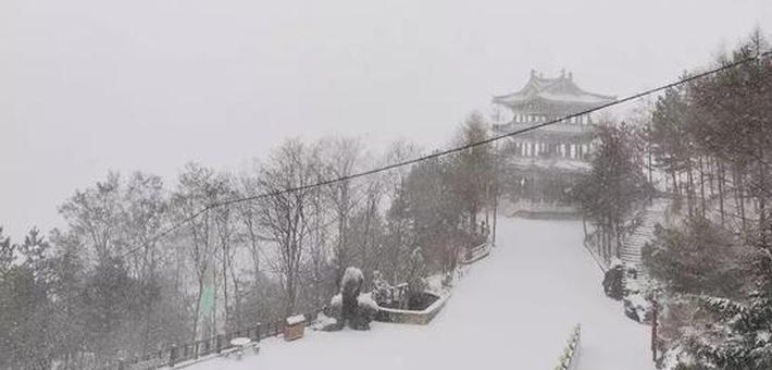 河南多地迎来今冬首场雪