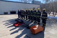 齐齐哈尔市消防救援支队开展冰上事故救援实战拉动演练