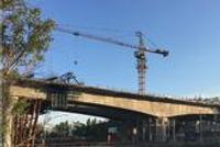 哈佳铁路跨化工堤连续梁合龙 为明年通车打基础