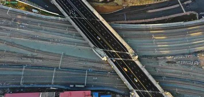 哈尔滨霁虹桥终于通车 天空视角太震撼