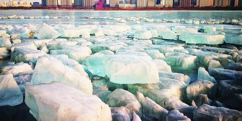 哈尔滨再现冰川大片