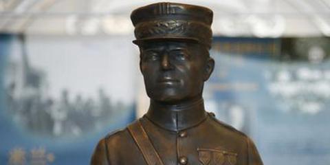 斯洛伐克开国元勋雕像复制品