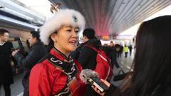 黑龙江省全国人大代表赴京 代表团共有92名代表
