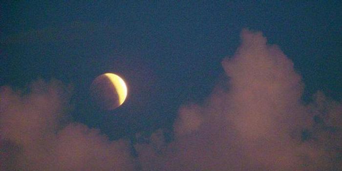 """明晚记得看月偏食 全国观测""""月圆月缺""""奇妙景象"""