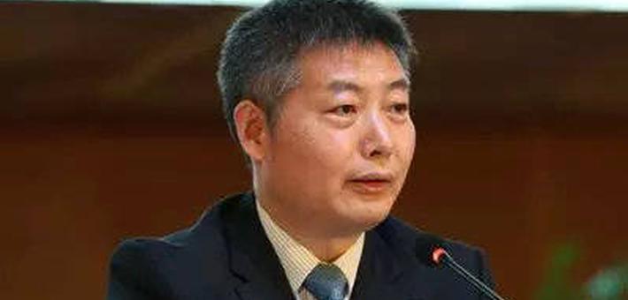 南京银行行长束行农因工作调动辞任