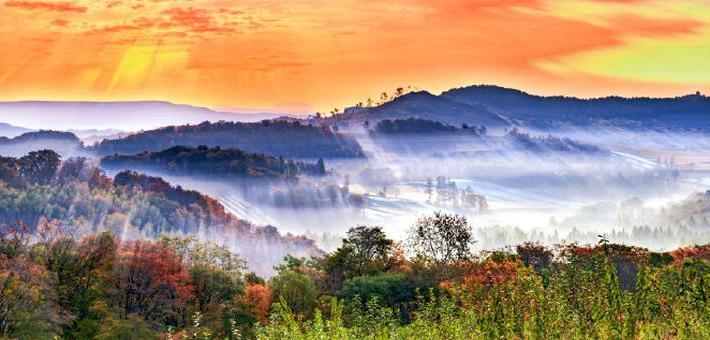 秋色长白山 色彩勾勒出来的美景